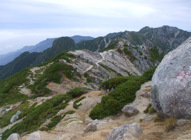 空木岳から縦走した南駒ケ岳と越...